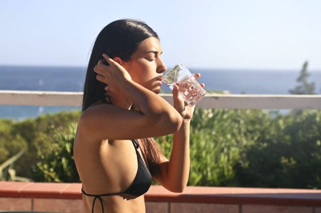 healthy-water-drinking-tips-for-travel-lovers-green-country-travel