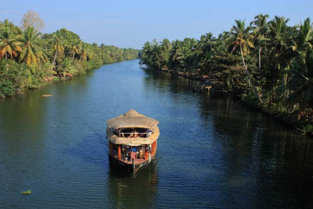 alleppey-tour-package-houseboat-green-country-travel-book-hotels-flights-package-tours-visas-travel-insurance-holidays